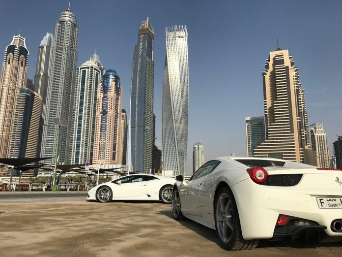 Dubajské policejní vozy
